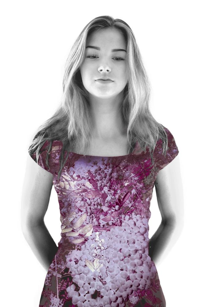 Pihlaja-tekstiiliteos, valokuva huovassa