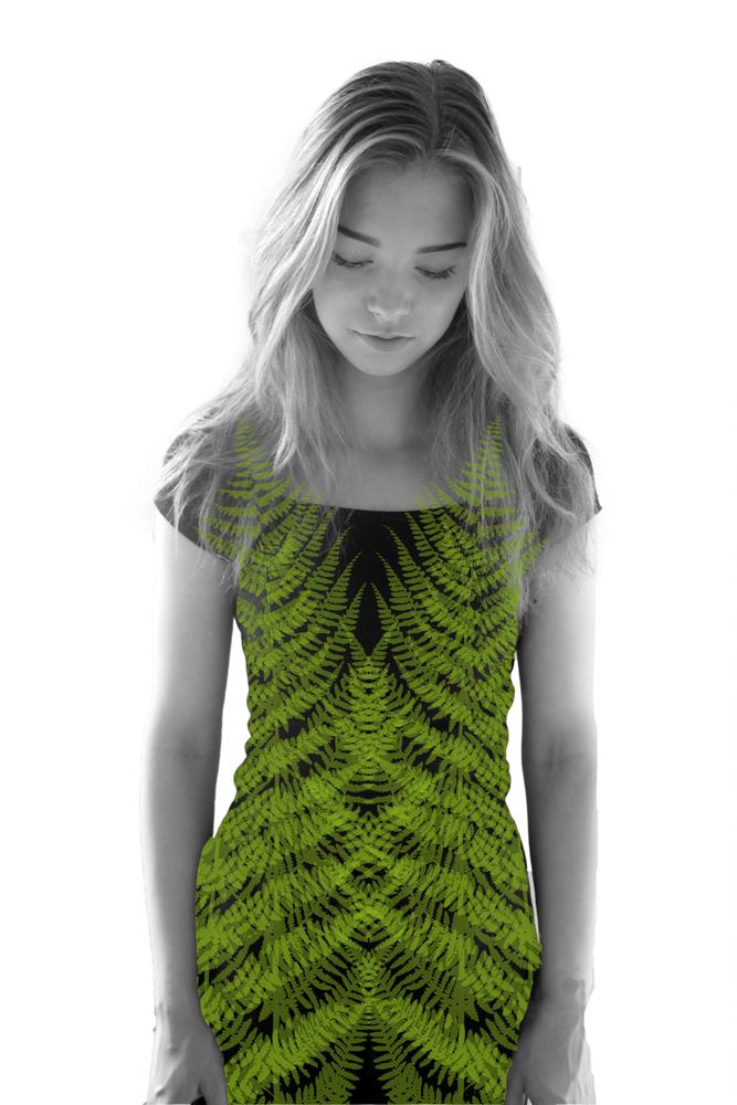 Saniainen-tekstiiliteos, valokuva huovassa